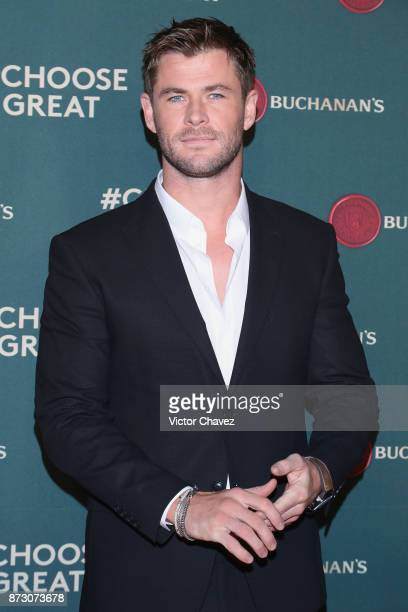 Actor Chris Hemsworth attends the Buchanana's greatness experience At Foto Muse Cuatro Caminos on November 11 2017 in Mexico City Mexico