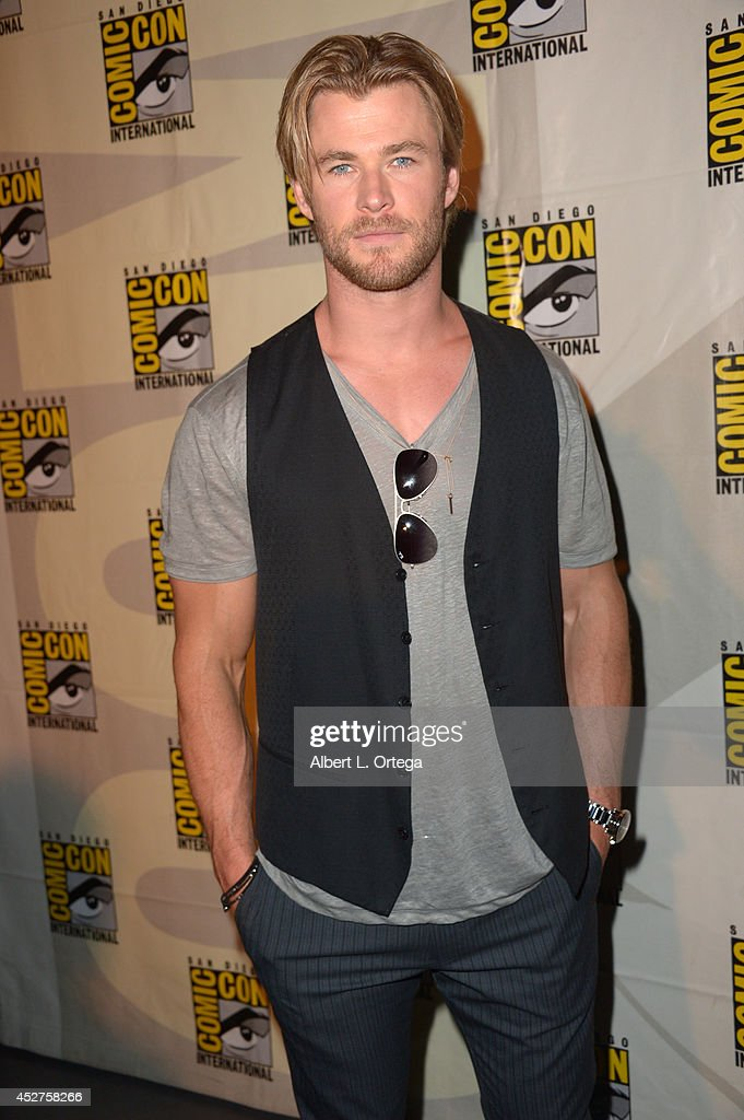 Actor <a gi-track='captionPersonalityLinkClicked' href=/galleries/search?phrase=Chris+Hemsworth&family=editorial&specificpeople=646776 ng-click='$event.stopPropagation()'>Chris Hemsworth</a> attends the Legendary Pictures preview and panel during Comic-Con International 2014 at San Diego Convention Center on July 26, 2014 in San Diego, California.