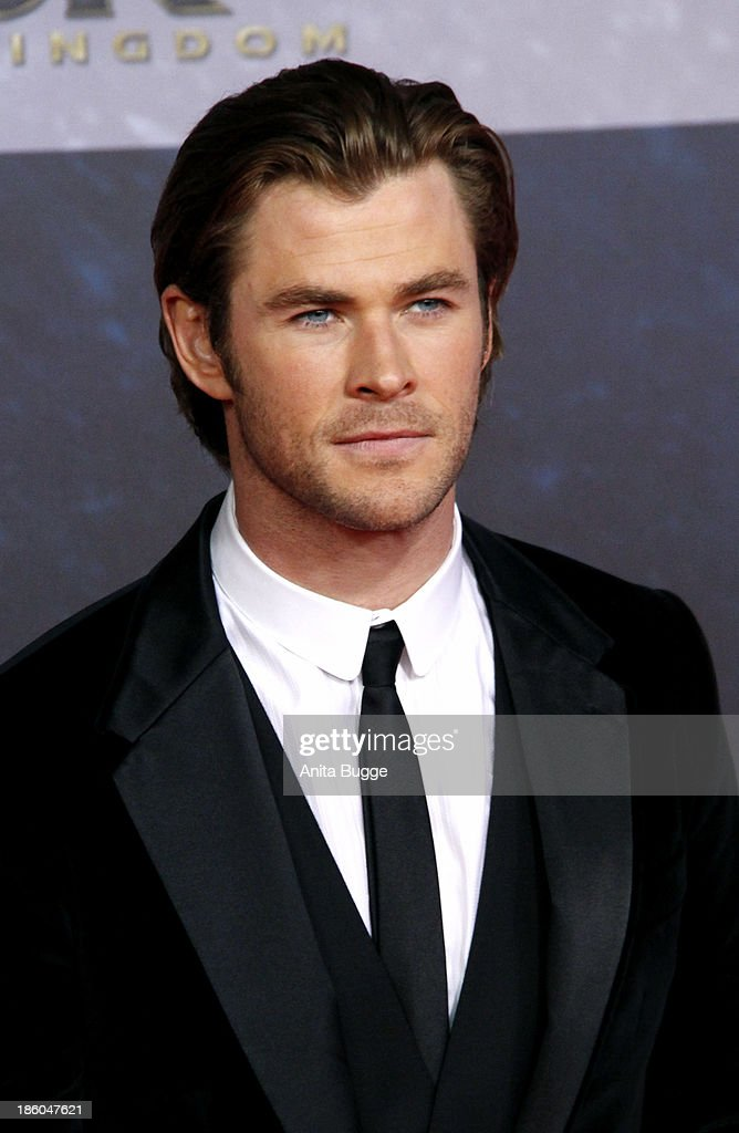 Actor <a gi-track='captionPersonalityLinkClicked' href=/galleries/search?phrase=Chris+Hemsworth&family=editorial&specificpeople=646776 ng-click='$event.stopPropagation()'>Chris Hemsworth</a> attends the 'Thor: The Dark World' Germany premiere at Cinestar on October 27, 2013 in Berlin, Germany.