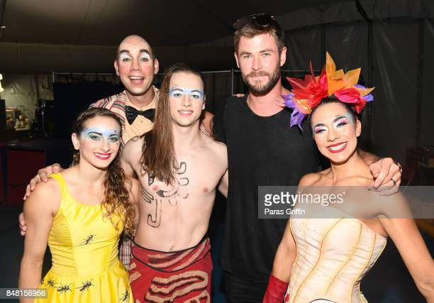 Actor Chris Hemsworth poses with the cast of Cirque du Soleil's LUZIA A Waking Dream of Mexico backstage at Atlantic Station on September 16 2017 in...