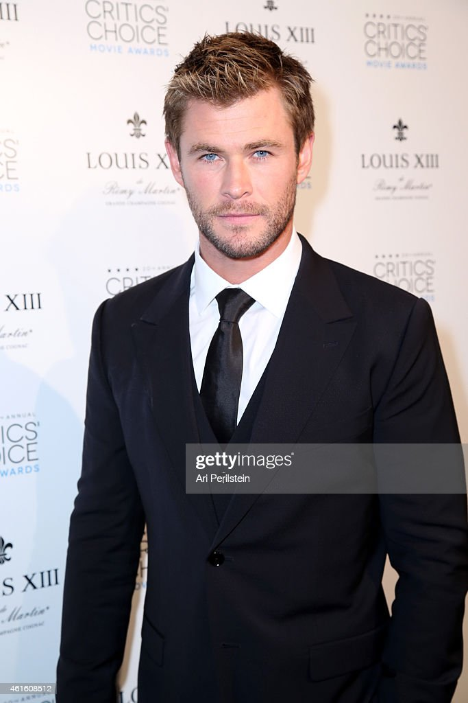 Actor <a gi-track='captionPersonalityLinkClicked' href=/galleries/search?phrase=Chris+Hemsworth&family=editorial&specificpeople=646776 ng-click='$event.stopPropagation()'>Chris Hemsworth</a>, presenter of the Critics' Choice LOUIS XIII Genius Award, during the 20th annual Critics' Choice Movie Awards at the Hollywood Palladium on January 15, 2015 in Los Angeles, California.