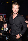 Actor Chris Hemsworth winner of the award for Favorite Action Movie Actor attends the People's Choice Awards 2016 at Microsoft Theater on January 6...