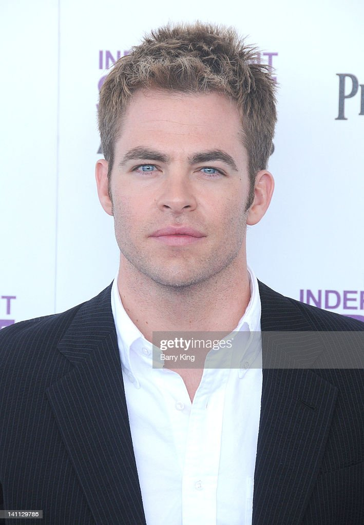 Actor Chris Pine arrives at the 2012 Film Independent Spirit Awards at Santa Monica Pier on February 25, 2012 in Santa Monica, California.