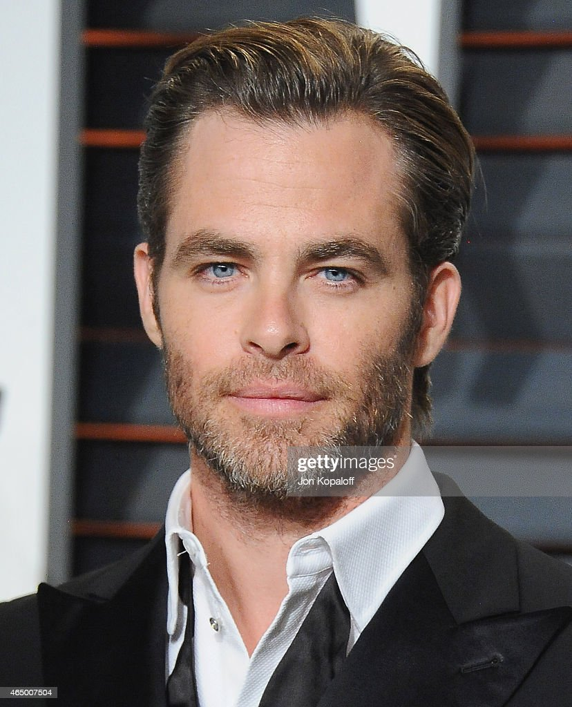 Actor <a gi-track='captionPersonalityLinkClicked' href=/galleries/search?phrase=Chris+Pine&family=editorial&specificpeople=641995 ng-click='$event.stopPropagation()'>Chris Pine</a> arrives at the 2015 Vanity Fair Oscar Party Hosted By Graydon Carter at Wallis Annenberg Center for the Performing Arts on February 22, 2015 in Beverly Hills, California.