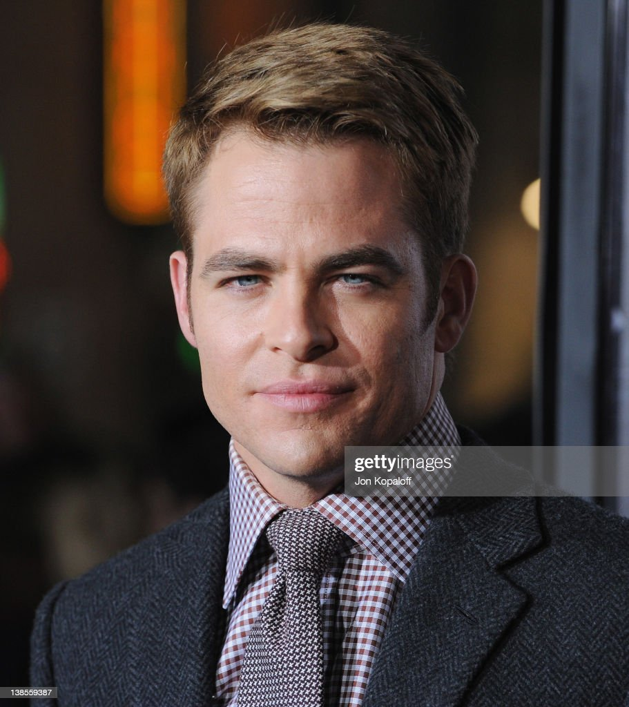 Actor <a gi-track='captionPersonalityLinkClicked' href=/galleries/search?phrase=Chris+Pine&family=editorial&specificpeople=641995 ng-click='$event.stopPropagation()'>Chris Pine</a> arrives at the Los Angeles Premiere 'This Means War' at Grauman's Chinese Theatre on February 8, 2012 in Hollywood, California.