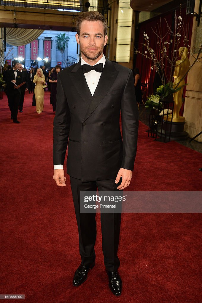 Actor <a gi-track='captionPersonalityLinkClicked' href=/galleries/search?phrase=Chris+Pine&family=editorial&specificpeople=641995 ng-click='$event.stopPropagation()'>Chris Pine</a> arrives at the Oscars at Hollywood & Highland Center on February 24, 2013 in Hollywood, California.