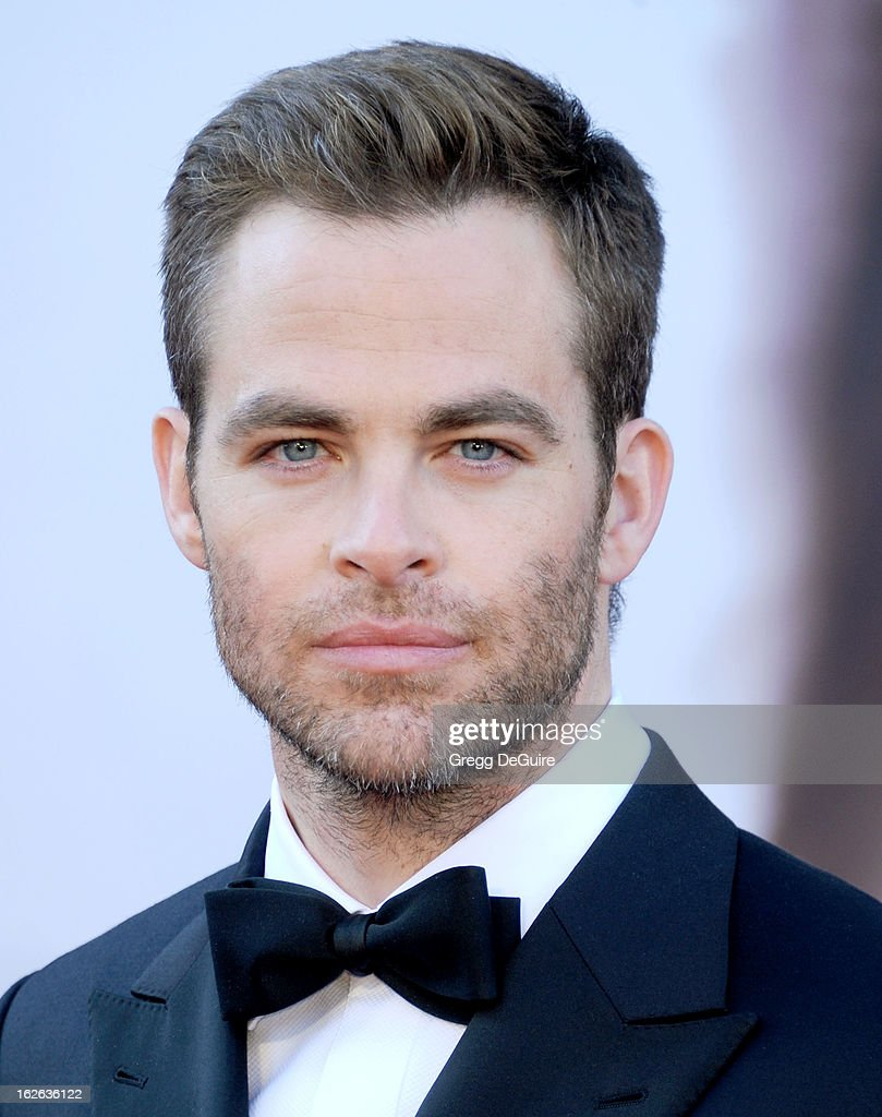 Actor Chris Pine arrives at the Oscars at Hollywood & Highland Center on February 24, 2013 in Hollywood, California.
