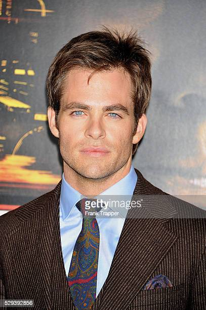 Actor Chris Pine arrives at the premiere of 'Unstoppable' held at the Regency Village Theater in Westwood
