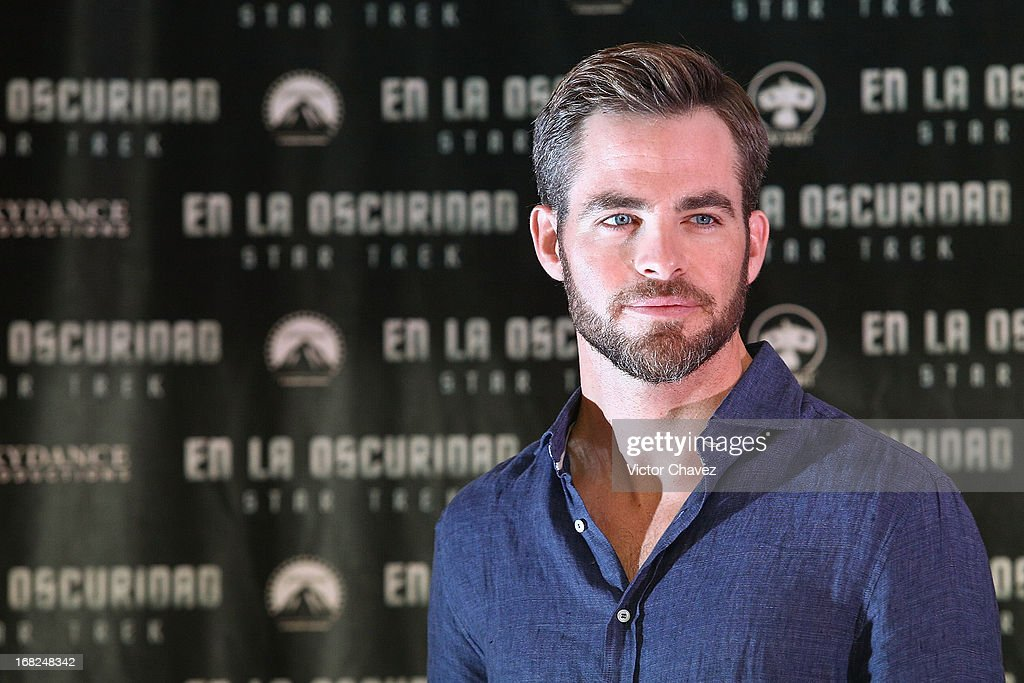 Actor <a gi-track='captionPersonalityLinkClicked' href=/galleries/search?phrase=Chris+Pine&family=editorial&specificpeople=641995 ng-click='$event.stopPropagation()'>Chris Pine</a> attends a photocall to promote the new film 'Star Trek Into Darkness' at Four Seasons Hotel on May 7, 2013 in Mexico City, Mexico.
