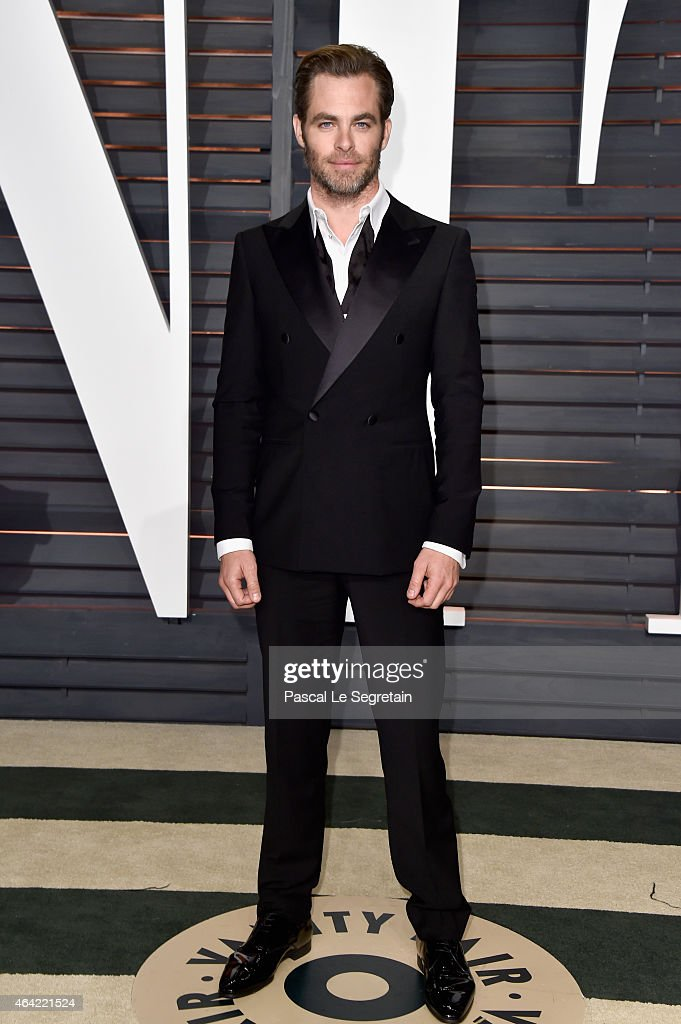 Actor <a gi-track='captionPersonalityLinkClicked' href=/galleries/search?phrase=Chris+Pine&family=editorial&specificpeople=641995 ng-click='$event.stopPropagation()'>Chris Pine</a> attends the 2015 Vanity Fair Oscar Party hosted by Graydon Carter at Wallis Annenberg Center for the Performing Arts on February 22, 2015 in Beverly Hills, California.
