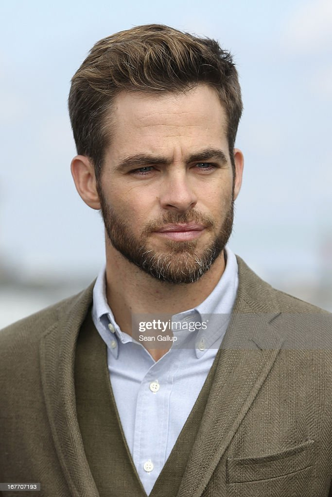 Actor <a gi-track='captionPersonalityLinkClicked' href=/galleries/search?phrase=Chris+Pine&family=editorial&specificpeople=641995 ng-click='$event.stopPropagation()'>Chris Pine</a> attends the 'Star Trek Into Darkness' Photocall at China Club on April 28, 2013 in Berlin, Germany.