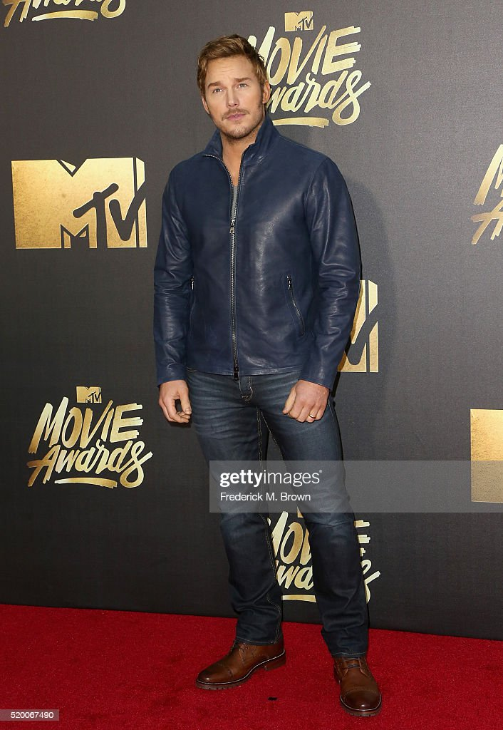 actor-chris-pratt-attends-the-2016-mtv-movie-awards-at-warner-bros-picture-id520067490