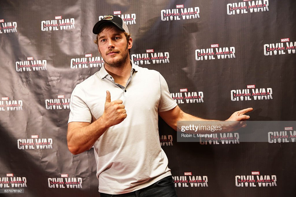 Actor <a gi-track='captionPersonalityLinkClicked' href=/galleries/search?phrase=Chris+Pratt+-+Actor&family=editorial&specificpeople=239084 ng-click='$event.stopPropagation()'>Chris Pratt</a>, 'Guardians of the Galaxy' attends 'Captain America: Civil War' Screening at the Fox Theatre on May 1, 2016 in Atlanta, Georgia.