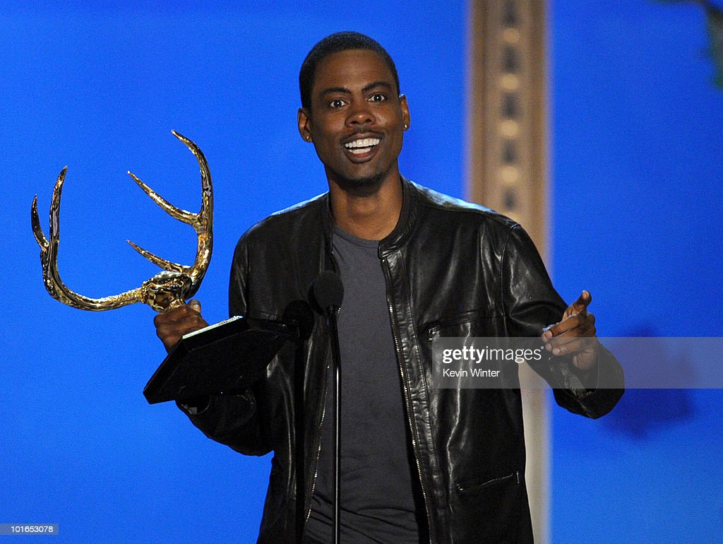 Actor Chris Rock receives the Funniest Mother Fucker Award onstage during Spike TV's 4th Annual 'Guys Choice Awards' held at Sony Studios on June 5, 2010 in Los Angeles, California. 'Guys Choice' premieres June 20, 2010 at 10PM ET/PT on Spike.