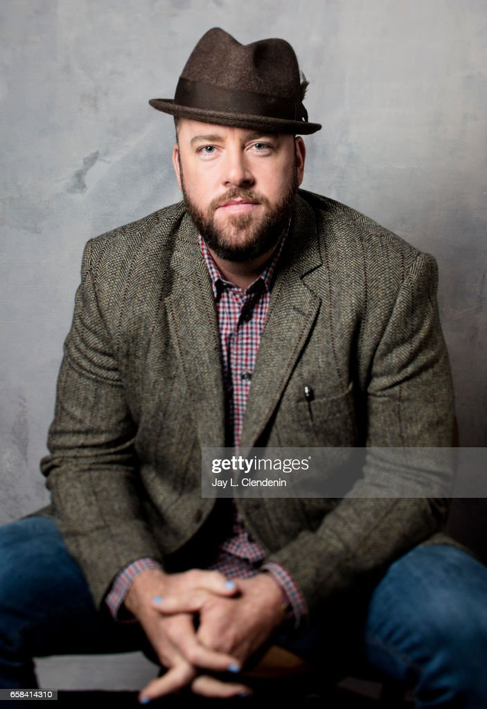 chris sullivan height