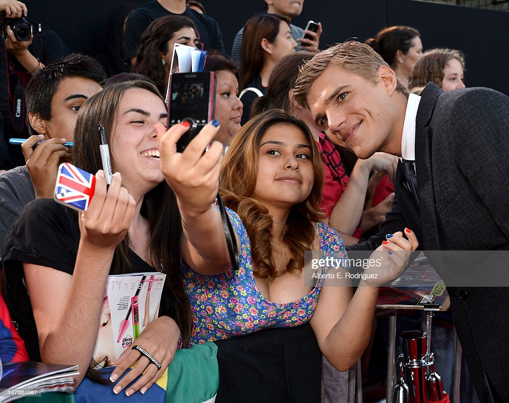 Actor <a gi-track='captionPersonalityLinkClicked' href=/galleries/search?phrase=Chris+Zylka&family=editorial&specificpeople=5863770 ng-click='$event.stopPropagation()'>Chris Zylka</a> arrives at the premiere of Columbia Pictures' 'The Amazing Spider-Man' at the Regency Village Theatre on June 28, 2012 in Westwood, California.