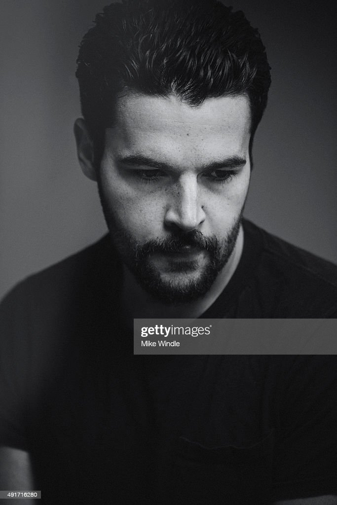 Actor Christopher Abbott of 'James White' poses for a Portrait Sessi... Show more - actor-christopher-abbott-of-james-white-poses-for-a-portrait-session-picture-id491716280