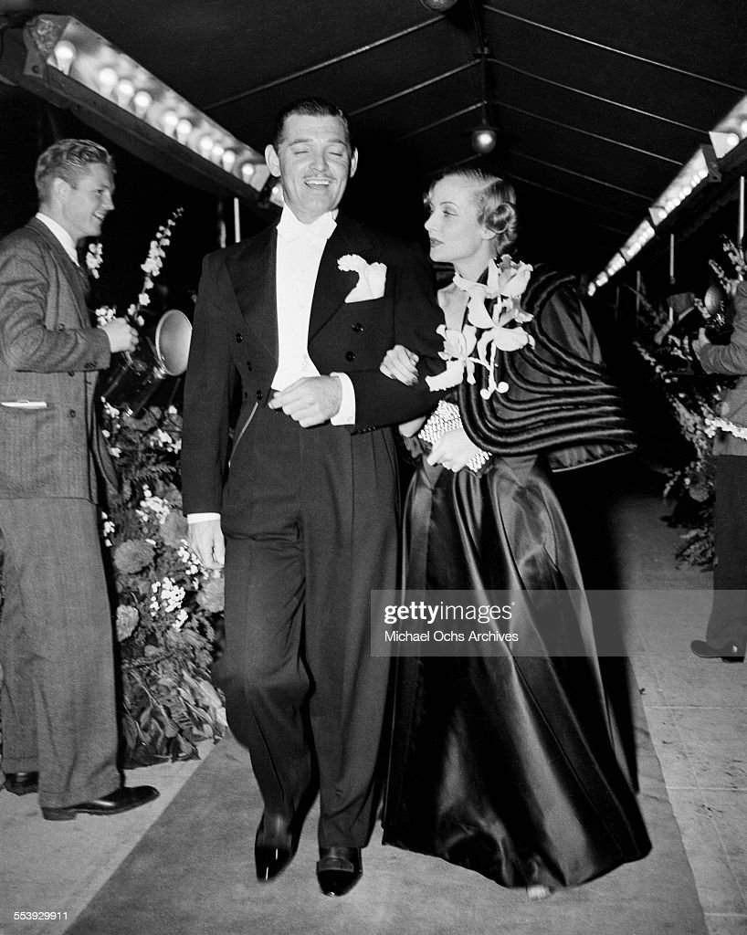 Actor <a gi-track='captionPersonalityLinkClicked' href=/galleries/search?phrase=Clark+Gable&family=editorial&specificpeople=70015 ng-click='$event.stopPropagation()'>Clark Gable</a> and wife actress <a gi-track='captionPersonalityLinkClicked' href=/galleries/search?phrase=Carole+Lombard&family=editorial&specificpeople=93207 ng-click='$event.stopPropagation()'>Carole Lombard</a> attend an event in Los Angeles, California.