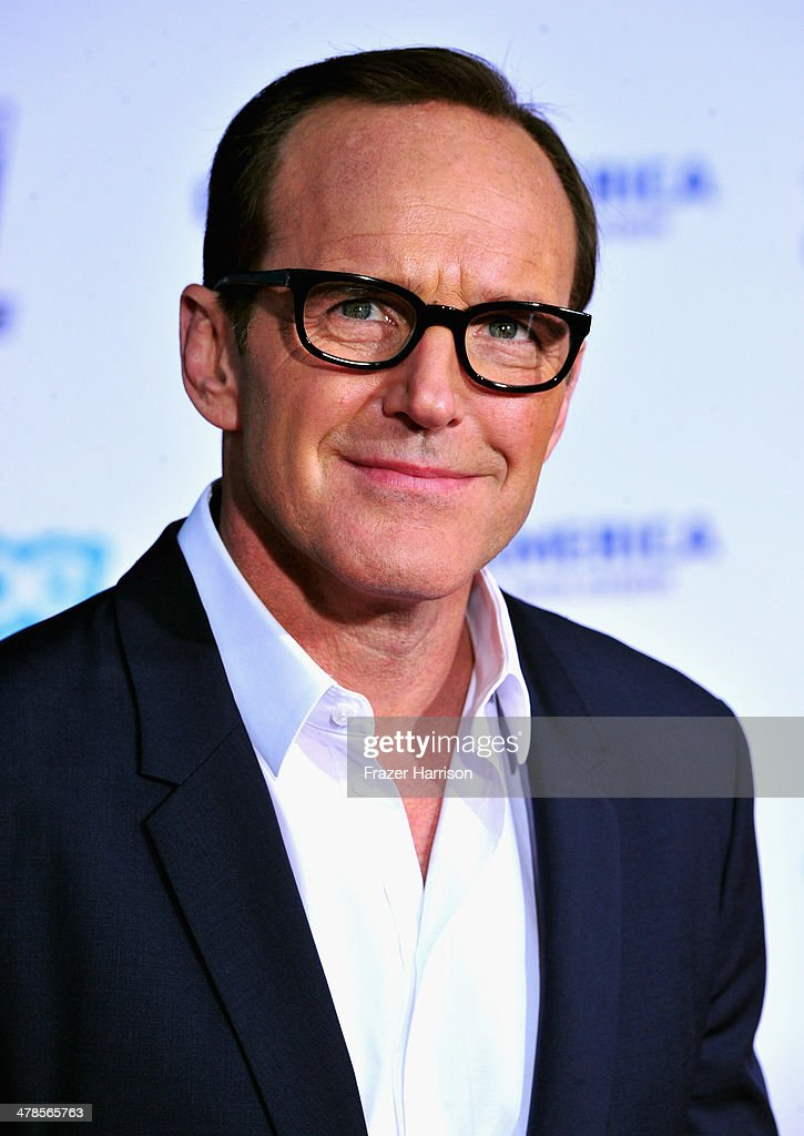 Actor <a gi-track='captionPersonalityLinkClicked' href=/galleries/search?phrase=Clark+Gregg&family=editorial&specificpeople=587275 ng-click='$event.stopPropagation()'>Clark Gregg</a> arrives at the premiere Of Marvel's 'Captain America:The Winter Soldier at the El Capitan Theatre on March 13, 2014 in Hollywood, California.