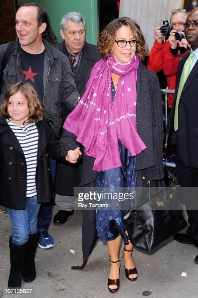 Jennifer Grey;Clark Gregg;Stella Gregg Stock Photos and Pictures   Getty Images  Jennifer Grey;C...