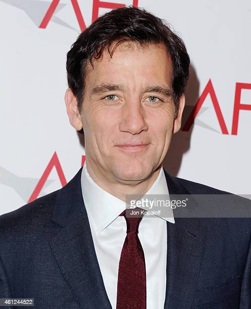 Actor Clive Owen arrives at the 15th Annual AFI Awards at Four Seasons Hotel Los Angeles at Beverly Hills on January 9 2015 in Beverly Hills...