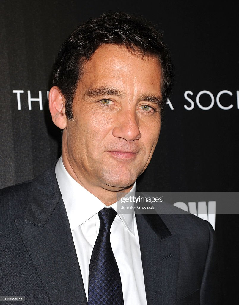 Actor <a gi-track='captionPersonalityLinkClicked' href=/galleries/search?phrase=Clive+Owen&family=editorial&specificpeople=201515 ng-click='$event.stopPropagation()'>Clive Owen</a> attends The Cinema Society & BlackBerry Host A Screening Of Magnolia Pictures' 'Shadow Dancer' at Sunshine Landmark on May 30, 2013 in New York City.