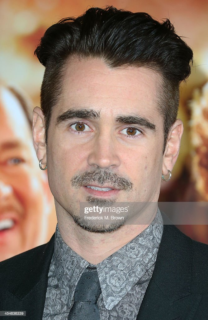 Actor <a gi-track='captionPersonalityLinkClicked' href=/galleries/search?phrase=Colin+Farrell&family=editorial&specificpeople=202154 ng-click='$event.stopPropagation()'>Colin Farrell</a> attends the Premiere of Disney's 'Saving Mr. Banks' at Walt Disney Studios on December 9, 2013 in Burbank, California.