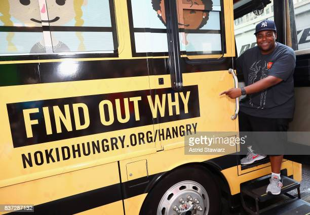 Actor Comedian and Dad Kenan Thompson encourages Fans to Dine Out this month to support No Kid Hungry around Herald Square on August 22 2017 in New...