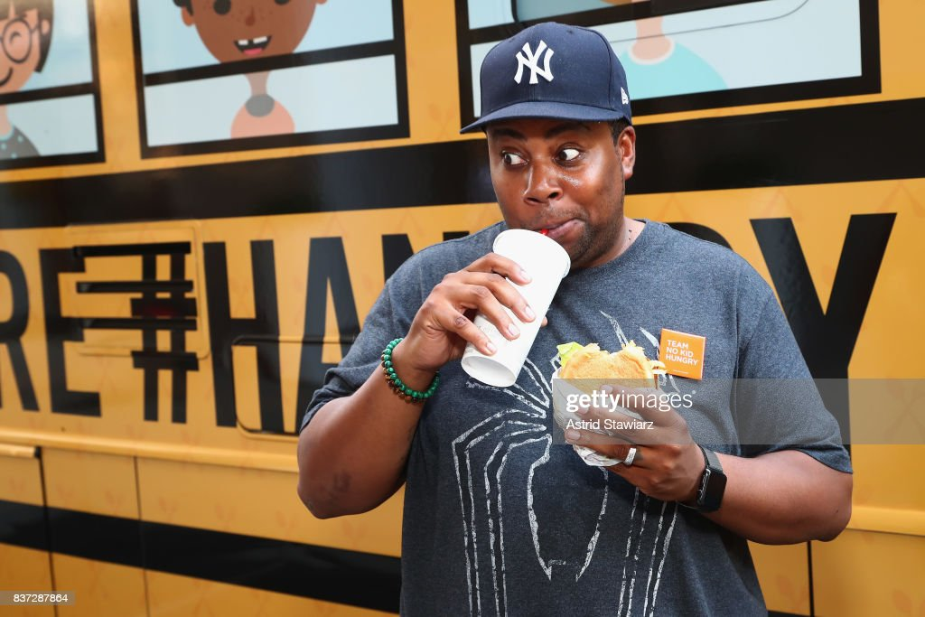 Actor, Comedian and Dad Kenan Thompson encourages Fans to Dine Out this month to support No Kid Hungry around Herald Square on August 22, 2017 in New York City.
