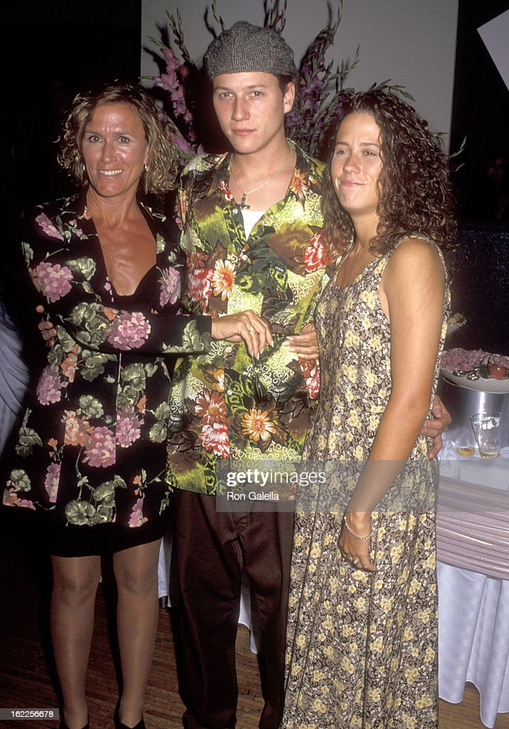 Actor Corin Nemec, mother Janis Nemec and sister Stacia Nemec attend the 'Mr. Saturday Night' Hollywood Premiere on September 22, 1992 at Mann's Chinese Theatre in Hollywood, California.