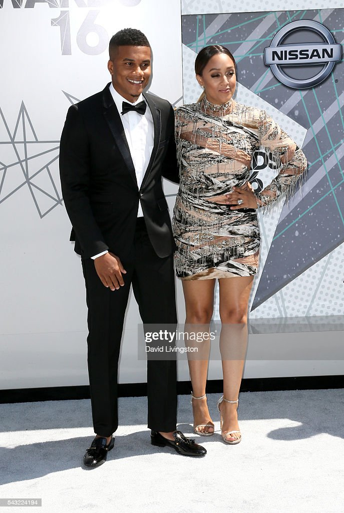 Actor <a gi-track='captionPersonalityLinkClicked' href=/galleries/search?phrase=Cory+Hardrict&family=editorial&specificpeople=962160 ng-click='$event.stopPropagation()'>Cory Hardrict</a> (L) and actress <a gi-track='captionPersonalityLinkClicked' href=/galleries/search?phrase=Tia+Mowry&family=editorial&specificpeople=631098 ng-click='$event.stopPropagation()'>Tia Mowry</a> attend the 2016 BET Awards at Microsoft Theater on June 26, 2016 in Los Angeles, California.