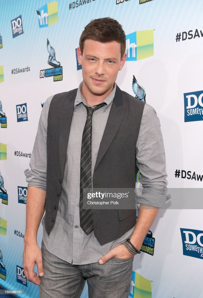 Actor <a gi-track='captionPersonalityLinkClicked' href=/galleries/search?phrase=Cory+Monteith&family=editorial&specificpeople=4491048 ng-click='$event.stopPropagation()'>Cory Monteith</a> arrives at DoSomething.org and VH1's 2012 Do Something Awards at Barker Hangar on August 19, 2012 in Santa Monica, California.
