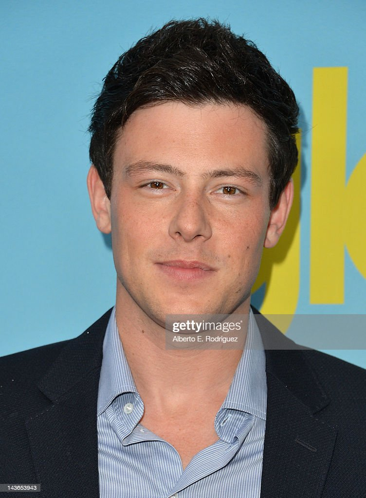 Actor <a gi-track='captionPersonalityLinkClicked' href=/galleries/search?phrase=Cory+Monteith&family=editorial&specificpeople=4491048 ng-click='$event.stopPropagation()'>Cory Monteith</a> arrives to The Academy of Television Arts & Sciences' screening of Fox's 'Glee' at Leonard Goldenson Theatre on May 1, 2012 in North Hollywood, California.