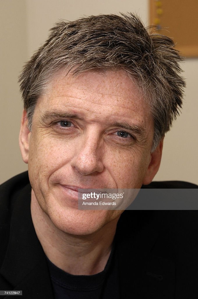 Actor Craig Ferguson poses before signing copies of 'Between The Bridge And The River' at Barnes & Noble on May 10, 2007 in Los Angeles, California.