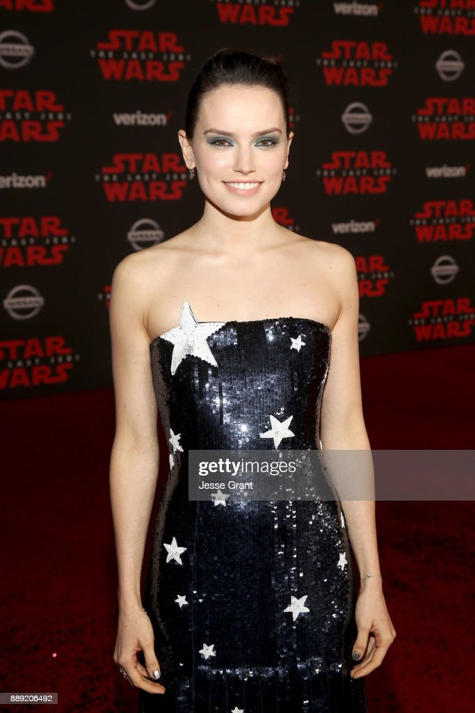 Actor Daisy Ridley at the world premiere of Lucasfilm's Star Wars: The Last Jedi at The Shrine Auditorium on December 9, 2017 in Los Angeles, California.