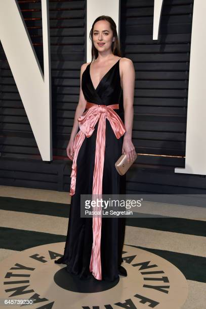 Actor Dakota Johnson attends the 2017 Vanity Fair Oscar Party hosted by Graydon Carter at Wallis Annenberg Center for the Performing Arts on February...