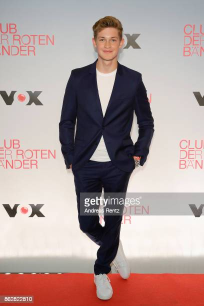 Actor Damian Hardung attends 'Club der roten Baender' photocall at Astor Film Lounge on October 18 2017 in Cologne Germany