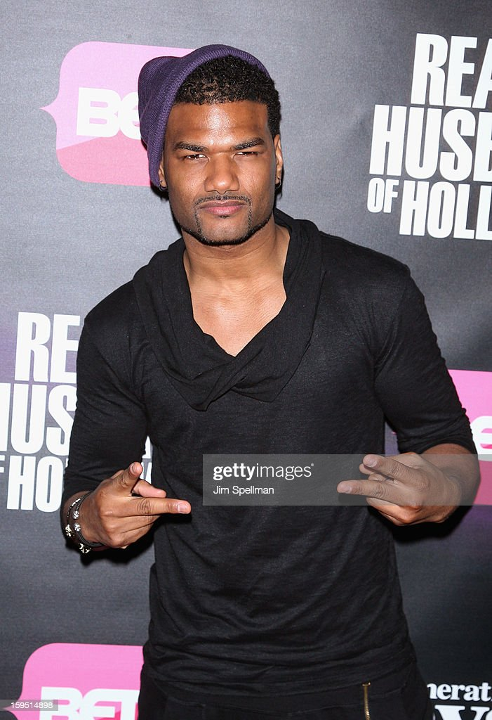 Actor <a gi-track='captionPersonalityLinkClicked' href=/galleries/search?phrase=Damien+Dante+Wayans&family=editorial&specificpeople=764721 ng-click='$event.stopPropagation()'>Damien Dante Wayans</a> attends the 'Real Husbands Of Hollywood' & 'Second Generation Wayans' screening at SVA Theatre on January 14, 2013 in New York City.