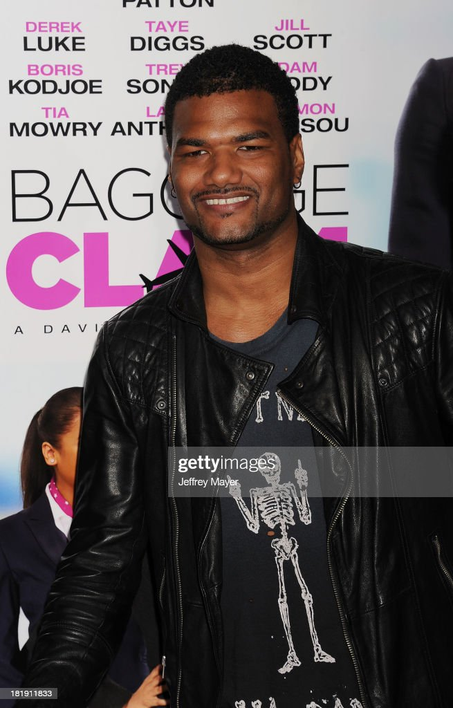 Actor Damien Wayans arrives at the Los Angeles premiere of 'Baggage Claim' at Regal Cinemas L.A. Live on September 25, 2013 in Los Angeles, California.