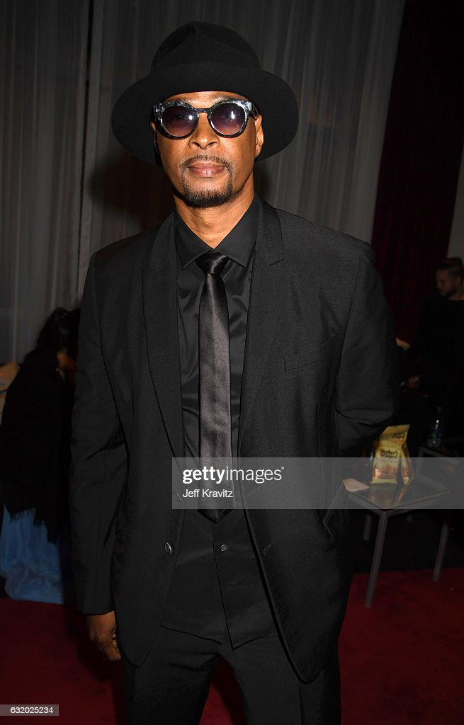 actor-damon-wayans-backstage-at-the-peoples-choice-awards-2017-at-picture-id632025234