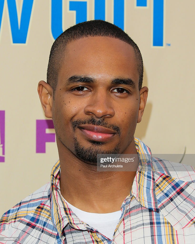 Actor <a gi-track='captionPersonalityLinkClicked' href=/galleries/search?phrase=Damon+Wayans+Jr.&family=editorial&specificpeople=748156 ng-click='$event.stopPropagation()'>Damon Wayans Jr.</a> attends the 'New Girl' season 3 screening and cast Q&A at Zanuck Theater at 20th Century Fox Lot on May 8, 2014 in Los Angeles, California.