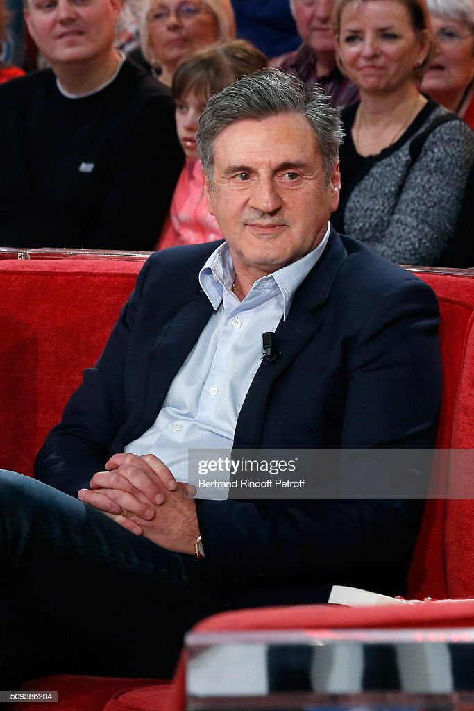 Actor <a gi-track='captionPersonalityLinkClicked' href=/galleries/search?phrase=Daniel+Auteuil&family=editorial&specificpeople=239190 ng-click='$event.stopPropagation()'>Daniel Auteuil</a> presents the Movie 'Les naufrages' during the 'Vivement Dimanche' French TV Show at Pavillon Gabriel on February 10, 2016 in Paris, France.