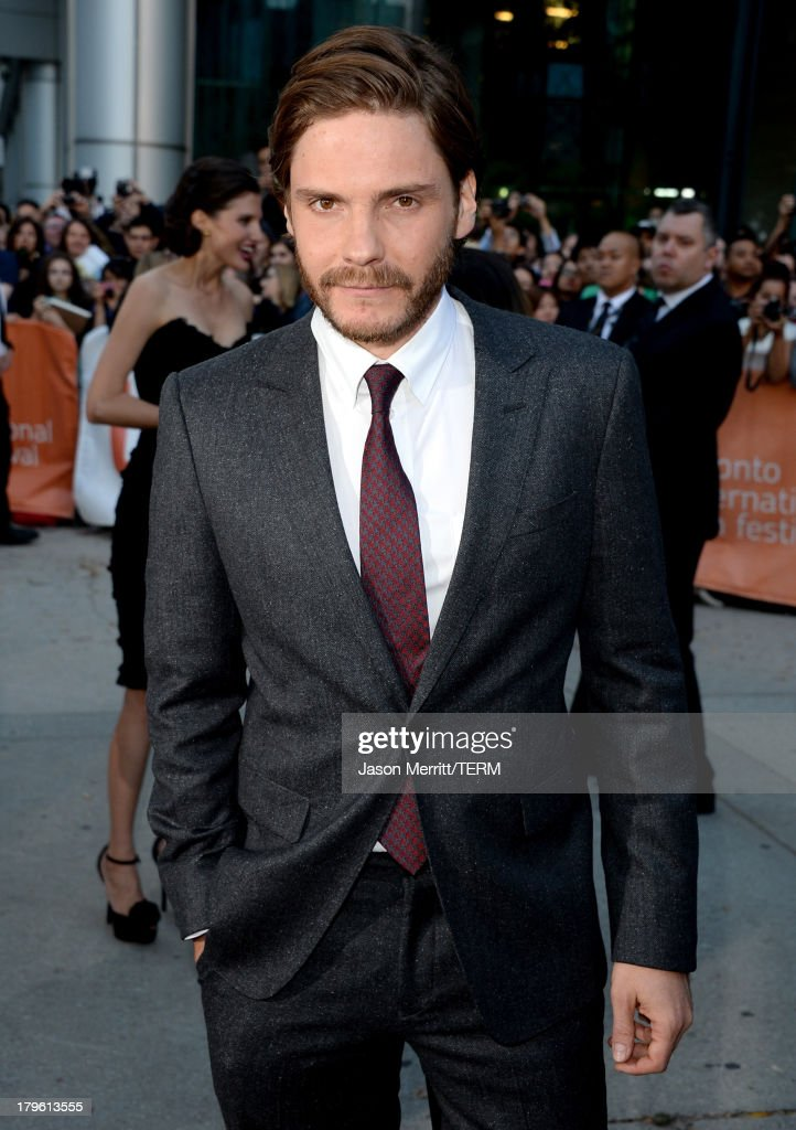 Actor <a gi-track='captionPersonalityLinkClicked' href=/galleries/search?phrase=Daniel+Br%C3%BChl&family=editorial&specificpeople=240493 ng-click='$event.stopPropagation()'>Daniel Brühl</a> arrives at 'The Fifth Estate' premiere during the 2013 Toronto International Film Festival on September 5, 2013 in Toronto, Canada.