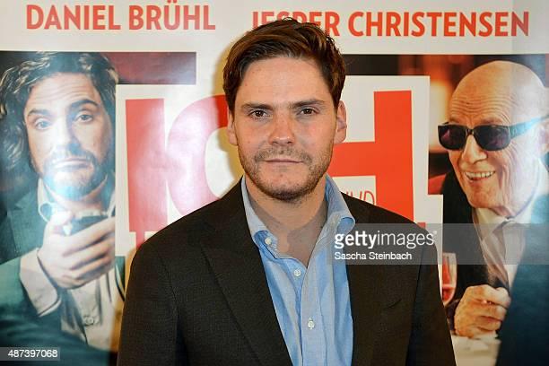 Actor Daniel Bruehl attends the premiere of the film 'Ich und Kaminski' at Lichtburg on September 9 2015 in Essen Germany