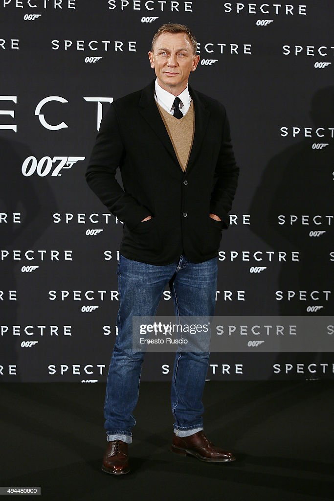 Actor <a gi-track='captionPersonalityLinkClicked' href=/galleries/search?phrase=Daniel+Craig+-+Actor&family=editorial&specificpeople=12323550 ng-click='$event.stopPropagation()'>Daniel Craig</a> attends a photocall for 'Spectre' at Hotel St Regis on October 27, 2015 in Rome, Italy.