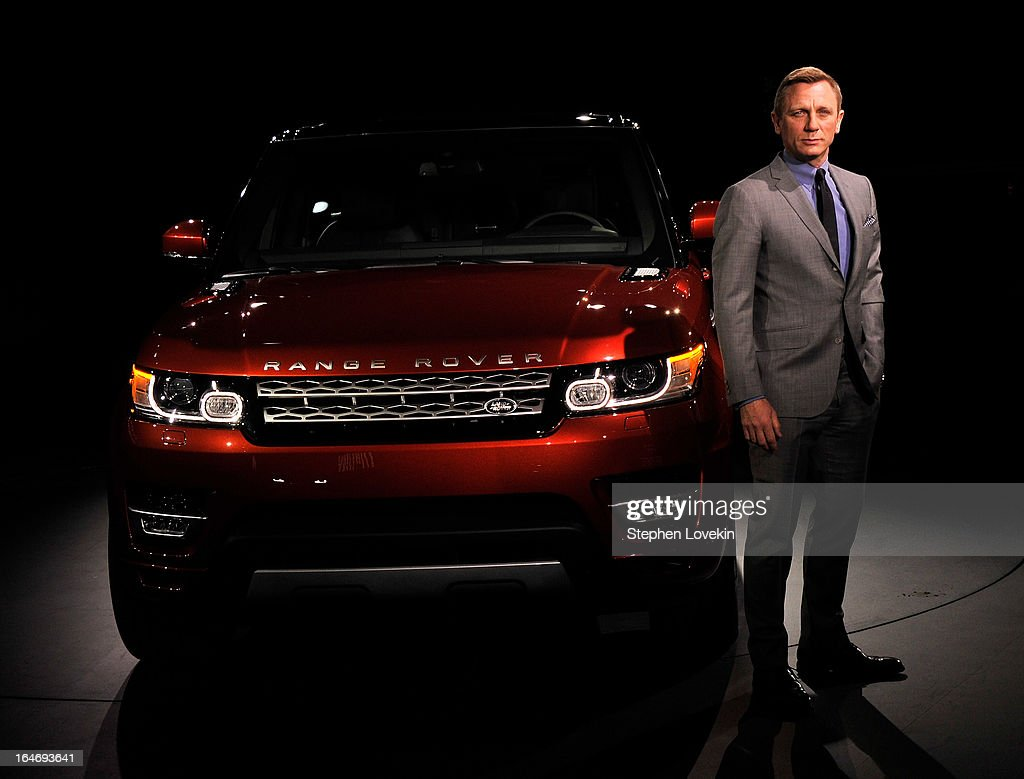 Actor Daniel Craig attends the Range Rover Sport world unveiling at the 2013 New York Auto Show at Skylight at Moynihan Station on March 26, 2013 in New York City.