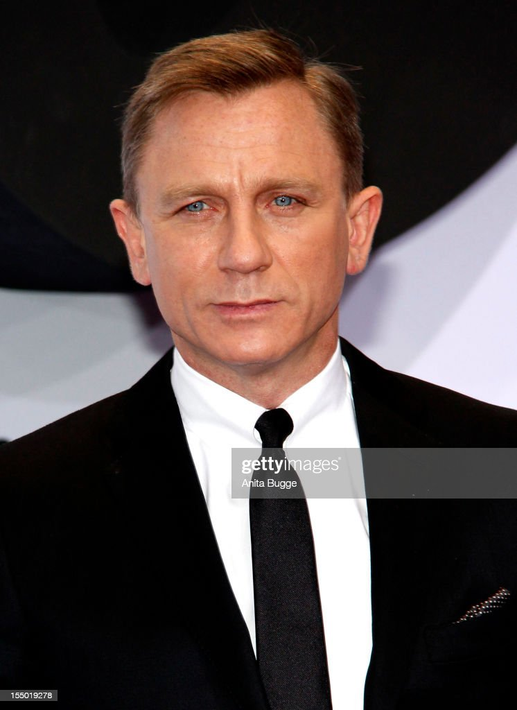 Actor Daniel Craig attends the 'Skyfall' Germany premiere at Theater am Potsdamer Platz on October 30, 2012 in Berlin, Germany.