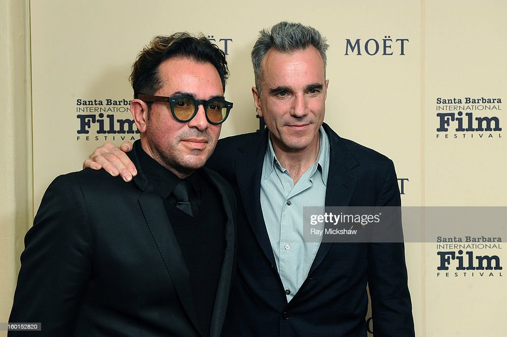 Actor <a gi-track='captionPersonalityLinkClicked' href=/galleries/search?phrase=Daniel+Day-Lewis&family=editorial&specificpeople=211475 ng-click='$event.stopPropagation()'>Daniel Day-Lewis</a> (R) and SBIFF directo <a gi-track='captionPersonalityLinkClicked' href=/galleries/search?phrase=Roger+Durling&family=editorial&specificpeople=217770 ng-click='$event.stopPropagation()'>Roger Durling</a> attend the 28th Santa Barbara International Film Festival Montecito Award on January 26, 2013 in Santa Barbara, California.