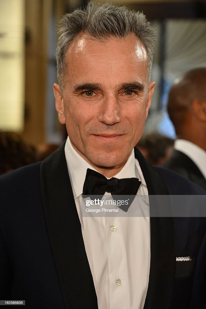 Actor Daniel Day-Lewis arrives at the Oscars at Hollywood & Highland Center on February 24, 2013 in Hollywood, California.