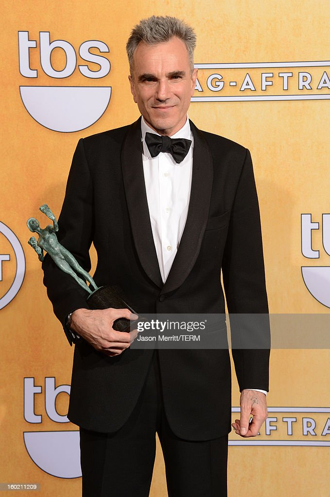 Actor <a gi-track='captionPersonalityLinkClicked' href=/galleries/search?phrase=Daniel+Day-Lewis&family=editorial&specificpeople=211475 ng-click='$event.stopPropagation()'>Daniel Day-Lewis</a> attends the 19th Annual Screen Actors Guild Awards at The Shrine Auditorium on January 27, 2013 in Los Angeles, California. (Photo by Jason Merritt/WireImage) 23116_014_3492.jpg